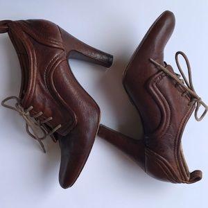 Frye Harlow Oxford Heels Brown  Size 7